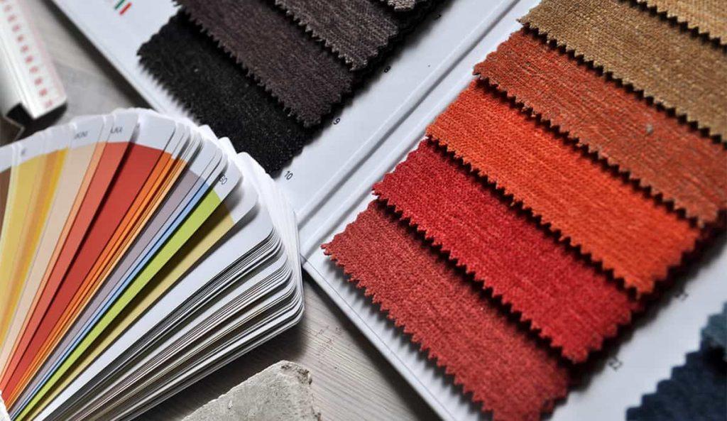 Muestrario de colores y pantonera abierta