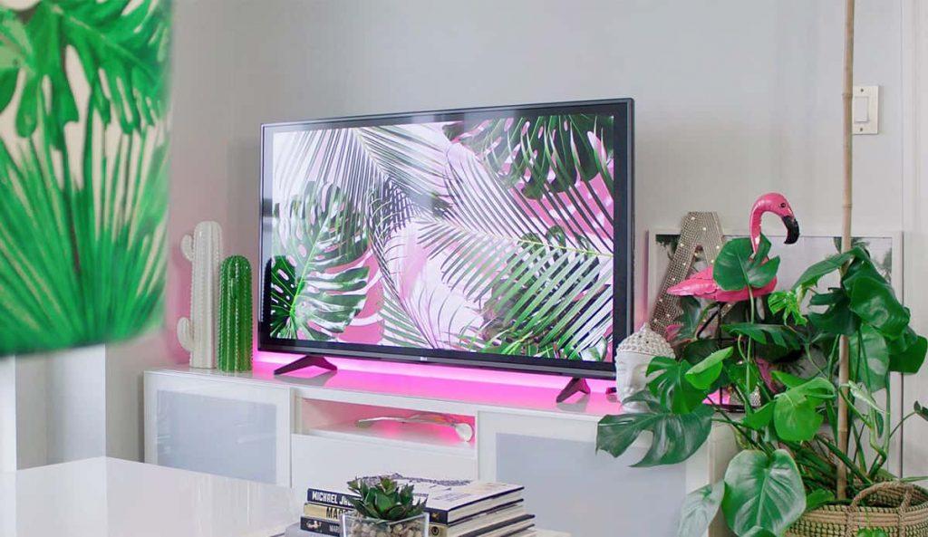 Televisión con led rosa