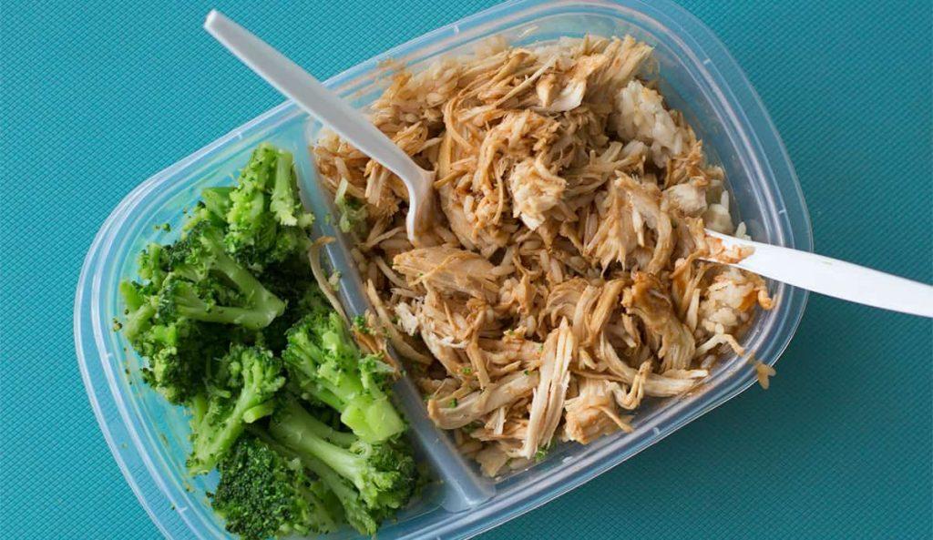 Tupper con brócoli y pollo