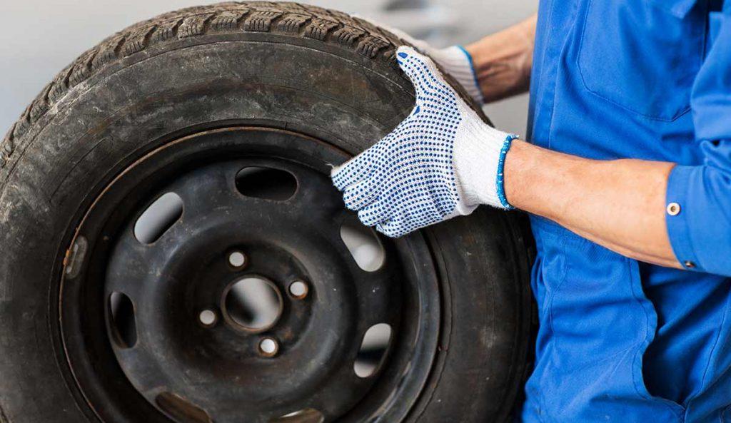 Revisión de un neumático