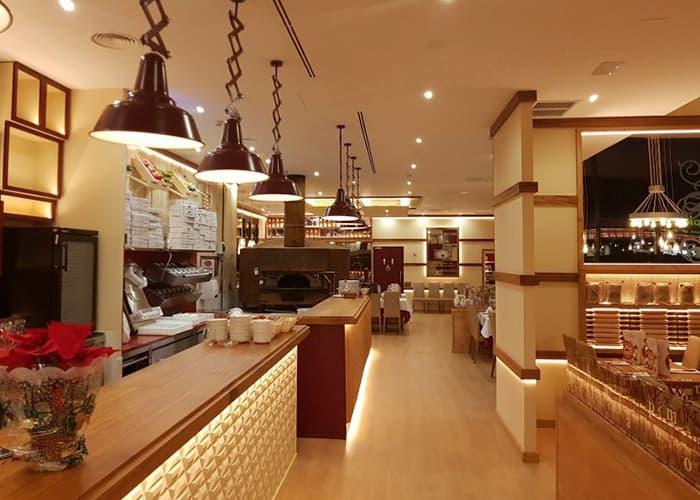 Interior restaurante La Tagliatella Alcalá de Henares
