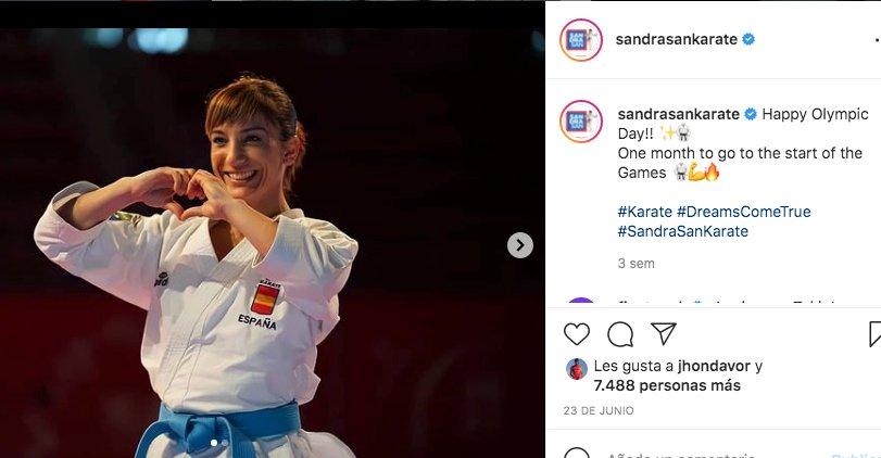 estrella de los juegos olímpicos en karate